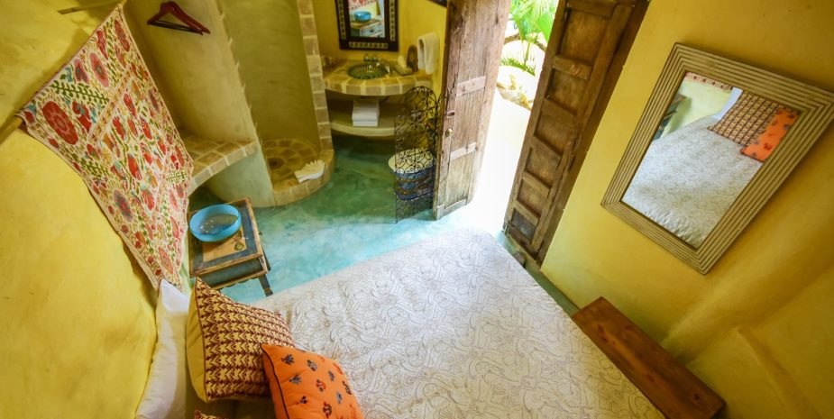 El Estudio at Amor Boutique Hotel is an affordable and charming one bedroom in Sayulita Mexico. Comments comments