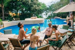 amor-boutique-hotel-couples-weekend-getaway-pool-ocean-view