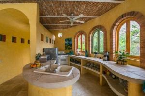 amor-boutique-hotel-las-palmas-mexican-kitchen