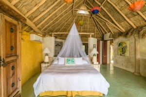 amor-boutique-hotel-olito-luxury-hotel-sayulita-bedroom-palapa-mosquito-net