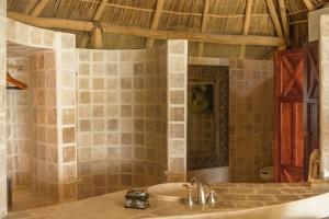 amor-boutique-hotel-olito-luxury-vacation-rental-bathroom
