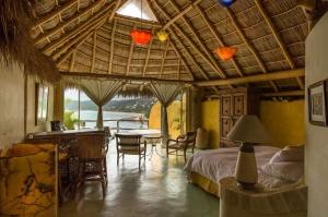 amor-boutique-hotel-olito-ocean-view-bedroom