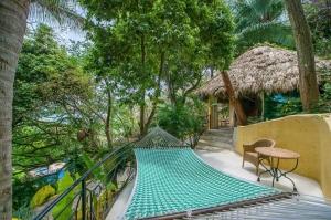 amor-boutique-hotel-villa-manana-hammock-ocean-view