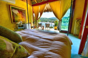 amor-boutique-hotel-villa-mi-primer-beso-sayulita-ocean-view-bed-king-size