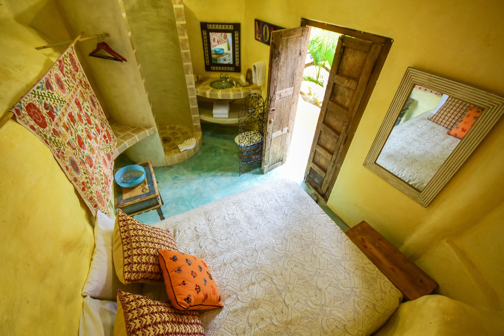El Estudio at Amor Boutique Hotel is an affordable and charming one bedroom in Sayulita Mexico.