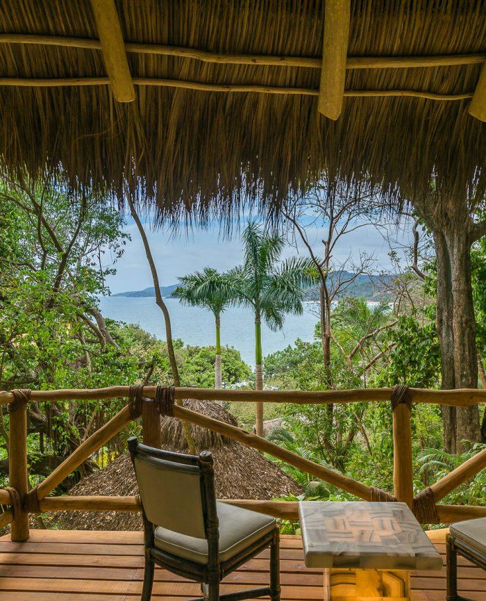 amor-boutique-hotel-villa-manana-ocean-view-room-rustic-balcony