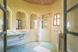 VillaLasPalmas-amor-boutique-hotel-sayulita-bathroom-29