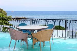 Villa Terraza-amor-boutique-hotel-sayulita-chairs-ocean-view