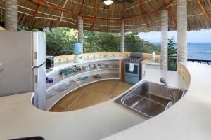 Villa Terraza-amor-boutique-hotel-sayulita-kitchen