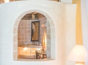 amor-boutique-hotel-mi-amor-full-arch