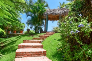 amor-boutique-hotel-olito-brick-walkway (1)