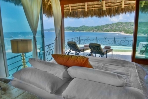 amor-boutique-hotel-panoramicas-Romance-master-bedroom-ocean-view