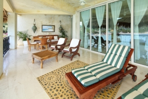 amor-boutique-hotel-sayulita-villa-bonita-beach-chairs