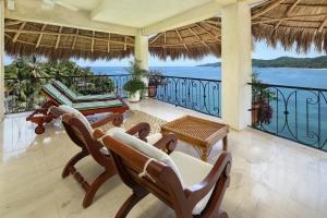 amor-boutique-hotel-sayulita-villa-bonita-chairs-ocean