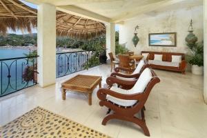 amor-boutique-hotel-sayulita-villa-bonita-chairs-ocean2