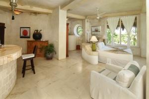 amor-boutique-hotel-sayulita-villa-bonita-sofa