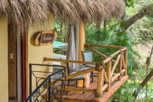 amor-boutique-hotel-villa-manana-rustic-quiet-hotel-balcony-luxury-sayulita