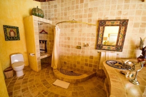 amor-boutique-hotel-villa-romance-2nd-bathroom