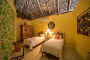 amor-boutique-hotel-villa-romance-bedroom-3-twin-beds-luxury