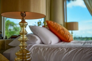 amor-boutique-hotel-villa-romance-glass-lamp