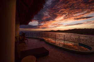 amor-boutique-hotel-villa-romance-gorgeous-sunset-sayulita