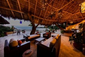 amor-boutique-hotel-villas-sayulita-villa-arboles-night-view