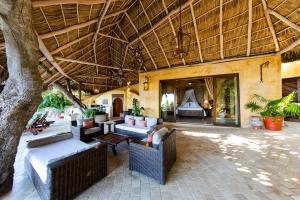 amor-boutique-hotel-villas-sayulita-villa-arboles-under-palapa