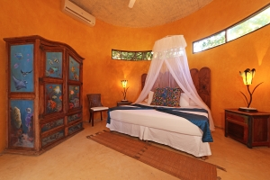 romantica-amorboutiquehotel-master-bedroom
