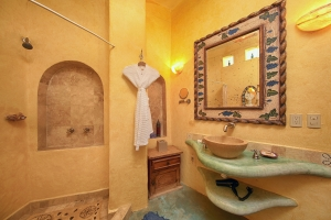 villa-serena-amor-boutique-hotel-sayulita-bathroom-with-mirror