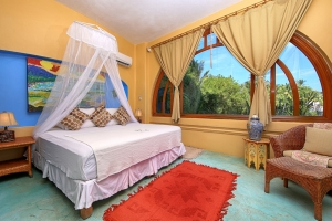 villa-serena-amor-boutique-hotel-sayulita-master-bedroom-king-bed