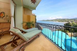 villa-serenata-amor-boutique-hotel-sayulita-camastros-ocean-view