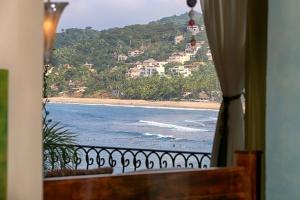 villa-serenata-amor-boutique-hotel-sayulita-ocean-view
